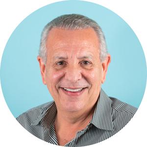 Dr. Carlos Méndez Villamil