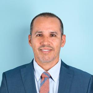 Dr. Edwin Álvarez Matos